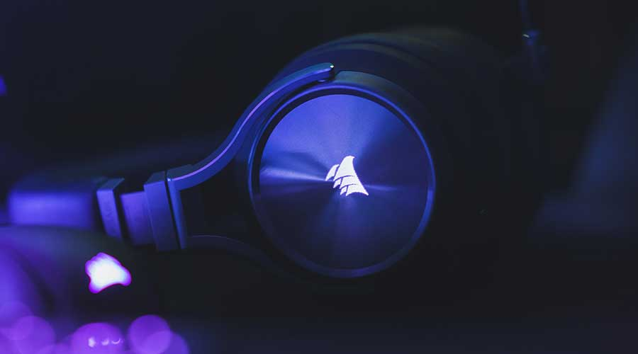 An example of a gaming headset - a Corsair headset. The best white gaming headset on the market.